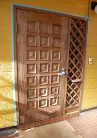 玄関ドア表面:施工前