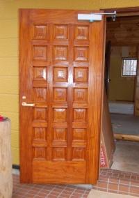 玄関ドア裏面:施工後