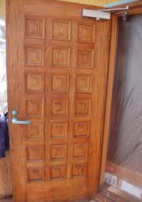 玄関ドア裏面:施工前