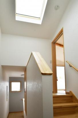 天窓で明るい廊下